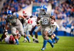 110914_FB_KentuckyvsGeorgia17_be