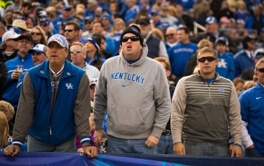110914_FB_KentuckyvsGeorgia21_be