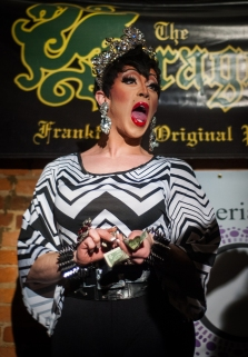 120414_DragShow01_be